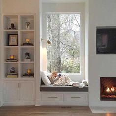 coziest window seat I ever did see - with the proper built-in and beautiful firepl. coziest window seat I ever did see - with the proper built-in and beautiful fire on both facet room room set furnishings bed room se. Home Decor Bedroom, Home Living Room, Diy Bedroom, Bedroom Small, Bedroom Ideas, Bedroom Nook, Master Bedrooms, Living Spaces, Window Benches