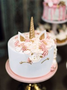 Birthday Ideas: Unicorn cake from a Glamorous Unicorn Christening Party on Kara's Party Ideas. Dessert Party, Party Desserts, Cake Party, Party Candy, Party Drinks, Pretty Cakes, Cute Cakes, Beautiful Cakes, Unicorn Wedding