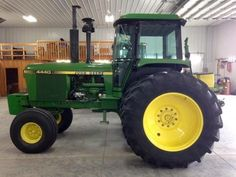 Old John Deere Tractors, Jd Tractors, Tractor Cabs, Rubber Tires, Farm Life, Big Game, Farms, Childhood, Green