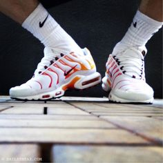TN-Greetz to my friend @snxfreak by my brandnew Nike TN Air Max Plus from Paris #niketn #nikeairmaxplus #airmaxplus #sneax #sneakers
