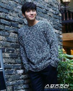 ❤❤ 지 창 욱 Ji Chang Wook ♡♡ that handsome and sexy look . Korean Men, Asian Men, Korean Actors, Ji Chang Wook Photoshoot, Ji Chang Wook Healer, Ji Chan Wook, Taiwan Drama, Empress Ki, Kdrama Actors