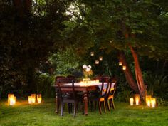Dinner and deep discussion. Simple outdoor party atmosphere to keep guests in a thinking mood. (Ideas for Humble Intellectual Thinking Retreats hosted by HumbleIntellectual.com)