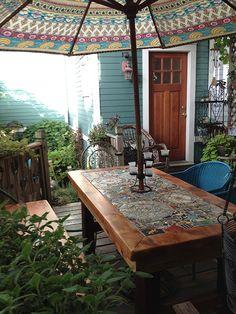 ideas for tile patio table top Mosaic Patio Table, Deck Table, Patio Tiles, Outdoor Tiles, Concrete Patio, Mexican Patio, Tile Top Tables, Mesa Exterior, Cozy Patio