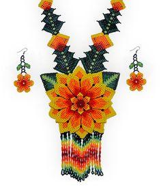 Artesanía huichol | Collares de chaquira - Arte huichol - Magia y misticismo indigena huichol