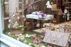 Déjeuner sur l'herbe, window display, summer 2014 - www. Sliding Windows, Summer 2014, Display, Table Decorations, Furniture, Home Decor, Grasses, Floor Space, Decoration Home