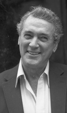 Actor Rock Hudson dies at the age of 59 due to AIDS in 1985.