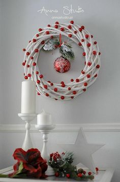 Christmas Tree Wreath, Xmas Wreaths, Xmas Tree, Christmas Crafts, Christmas Bulbs, Wreath Crafts, Fun Crafts, Diy And Crafts, Craft Sale
