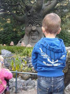De kinderen genieten met volle teugen @Efteling Sprookjes bestaan #sprookjesboom