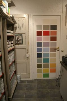 Tyke & Smak is in Åmål, Sweden.  Good colour card on the back of the door!!