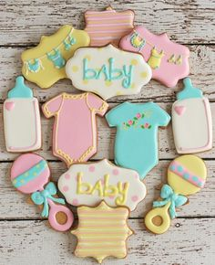 Are you having a baby shower or organising one for your friend? Look no further than our inspirational list of baby shower party ideas & themes. Baby Shower Cakes, Baby Shower Favors, Baby Shower Parties, Baby Shower Biscuits, Baby Shower Desserts, Shower Party, Fancy Cookies, Iced Cookies, Cute Cookies