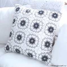 New Crochet Pillow Pattern Free Cushion Covers Ideas Crochet Diy, Manta Crochet, Crochet Cross, Easy Crochet Projects, Crochet Home, Crochet Phone Cover, Crochet Cushion Cover, Crochet Cushions, Cushion Covers