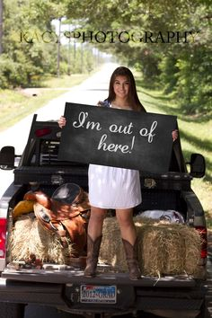 senior photography. Like the sign(: