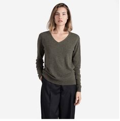 #ad Wow ! A beautiful Cashmere V neck Slouch Sweater only $125 ? Discovered while learning about the   Everlane #BlackFridayFund USA Freebies N Deals: #BlackFridayFund - Unique Black Friday Approach @Everlane !