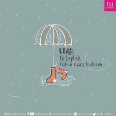 ukhti kaki termasuk auratmu  jangan lupa bawa kaos kaki cadangan yaaa  .  Kontribusi @muslimah.media