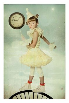 #Enfance #childhood | Surrealism by Photomanipulation - Accessoires Mira'Belle [Wanda Kujacs] Young Fashion, Kids Fashion, Tulle Dress, Dress Up, Toddler Outfits, Kids Outfits, Halloween Disfraces, Beauty Editorial, Beautiful Children