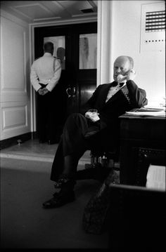 President Gerald Ford excused himself from a White House dinner for Netherlands' Prime Minister Johannes den Uyl to take a phone call about plans to retake the S.S. Mayaguez and its crew. May 14, 1975.
