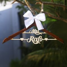 Aliexpress.com : Buy Custom Wedding Hanger, Personalized Brides Hanger, Name Hanger, Bridal Gift, Custom Bridal Wedding Hanger from Reliable hanger decoration suppliers on Paperpop stationary
