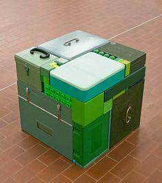 Jouer à Tetris avec les objets du quotidien ! – Les Surprenantes installations de Michael Johansson