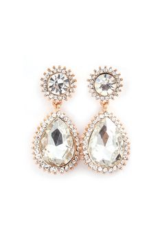 Beautiful earrings for your wedding day