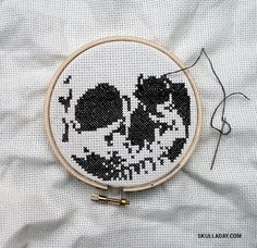 Free PDF download, skull cross stitch pattern