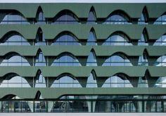 Ritmo Arquitectonico: Es una repetición de elementos como una linea, una forma, un color, etc. presentados dentro de un espacio en forma sucesiva y con un determinado orden