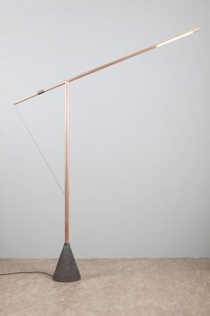 Beautifully minimal copper LED lamp post Lighting Concepts, Lighting Design, Task Lighting, Custom Lighting, Industrial Style Lamps, Diy Floor Lamp, I Love Lamp, Concrete Lamp, Wooden Lamp