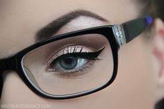 Daily makeup for glasses