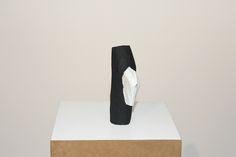 Cícero Alves dos Santos - Véio | A cabeça desconhecida, 2014 | Tinta acrílica e madeira | 9 x 5,5 x 19,5 cm