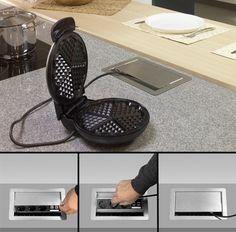 Steckdosen für die Küche, nur unter den Oberschrank und in die Seitenwange eingebaut