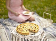 Lotrinský quiche s chřestem Quiche, Success, Meals, Baking, Recipes, Food, Diet, Meal, Bakken