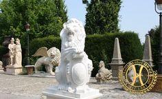 Marmorlöwe - Antik Möbel Hesz Garden Sculpture, Lion Sculpture, Exterior, Statue, Outdoor Decor, Home Decor, Art, Antique Furniture, Objects