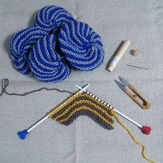 2015/07/15 - - 今日はこればっか - - #knit#knitting#編み物#アクリルたわし#うずまきたわし  #addi#addineedles #knittingtools#kazikit_knitting