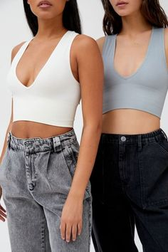 Shop Out From Under Hailey Seamless Plunging Bra Top at Urban Outfitters today. We carry all the latest styles, colors and brands for you to choose from right here. Cute Casual Outfits, Summer Outfits, Cute Concert Outfits, Fashionable Outfits, Girly Outfits, Summer Shorts, Work Outfits, Stylish Outfits, Look Fashion