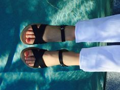 A staple sandal.easy and classic Nails For Kids, Summer Fun, Birkenstock, Sandals, Classic, Easy, Shoes, Fashion, Derby
