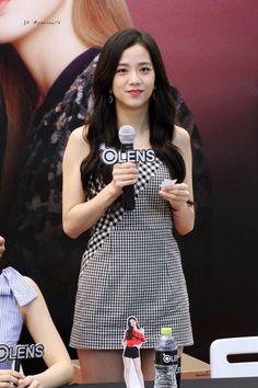 dc57063cea8b Ji Soo - 지수 kpopgirlgroup  Blackpink  jisoo  stage  outfit  블랙핑크
