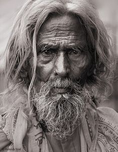 Best b and w portrait photography ideas. Foto Portrait, Portrait Art, Portrait Photography, Photography Ideas, Black And White Portraits, Black And White Pictures, Black And White Photography, We Are The World, People Around The World