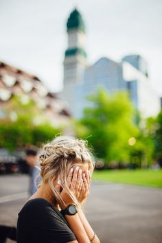Chances are that, if they had the choice, someone who experiences anxiety would make that uncomfortable feeling go away with any opportunity they could get. Although some triggers are out of our control, there are a number of habits that can bring ou