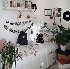 - Fielsa – teenager zimmer mädchen – Hybrid Elektronike Fielsa – teenager zimmer mädchen – Source by cucuklerim - Cute Room Ideas, Nice Ideas, Tumblr Rooms, Tumblr Bedroom, Single Bedroom, Single Beds, Aesthetic Room Decor, Stylish Bedroom, Cozy Room