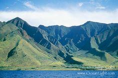 Google Image Result for http://www.oceanlight.com/stock-photo/west-maui-mountains-ocean-hawaii-photograph-05863-568340.jpg