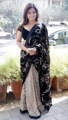 Photos: Neetu Chandra sizzles in sari at launch event in Mumbai Saree Wearing Styles, Saree Styles, Beautiful Girl Indian, Beautiful Saree, Fancy Sarees, Party Wear Sarees, Sarees For Girls, Neetu Chandra, Indian Actress Hot Pics