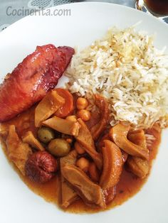 Mondongo Panameño ~ is different than Mondongo (tripe and chorizo soup) prepared in other Latin countries.  Panamainin cooks use different ingredients and  don't make it as a soup, but more like a stew and serve it with white rice or rice with chickpeas and green olives. #Panama #Food #Mondongo