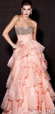 Long Rhinestone Prom Dresses 2015 with Crystal Women vestidos de formatura longo galajurken ballkleider Beautiful Gowns, Beautiful Outfits, Formal Gowns, Strapless Dress Formal, Chiffon Dress, Fashion Font, Style Fashion, Prom Dresses 2015, Jovani Dresses