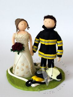 feuerwehr brautpaar tortenfigur f r die hochzeitstorte hochzeitstortenfigur weddingcake. Black Bedroom Furniture Sets. Home Design Ideas