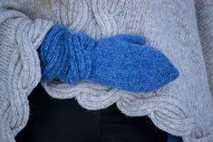 Ravelry: Frosty Waves Votter pattern by Hilde Sørum Mittens Pattern, Wave Design, Stockinette, Needles Sizes, Ravelry, Waves, English, Wool, Stitch