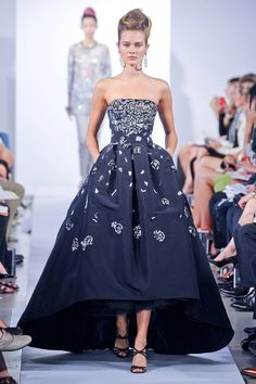 Navy blue high/low dress at Oscar de la Renta Spring 2013 RTW Collection #NYFW