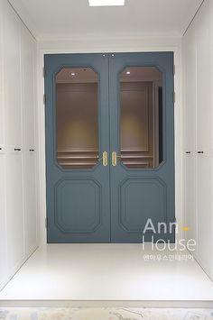 영통앤하우스인테리어-수원 망포 그대가프리미어 인테리어-65평 : 네이버 블로그 Exterior Design, Interior And Exterior, Home And Living, Living Room, Entrance Hall, Apartment Design, Wood Doors, Interior Design Inspiration, Architecture