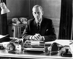 Prince Philip, the Duke of Edinburgh, sitting at his desk at Clarence House. Get premium, high resolution news photos at Getty Images Young Prince Philip, Queen And Prince Phillip, Prince Charles, Princess Elizabeth, Queen Elizabeth Ii, Roger Federer, Rei George Vi, Lady Laura, Prinz Philip