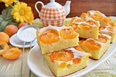 Această prăjitură cu iaurt și caise este genul de prăjitură ușor umedă, cu aspect mai de budincă, dar foarte bună și aromată. Este o prăjitură de sezon și merită preparată și savurată alături de cei dragi. Porții: 20; Timp de preparare: 50 minute; Dimensiuni […]