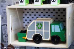 Anikens garbage truck (trash king) party! #onelovelyday #garbage truck #trashking