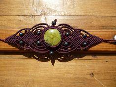 Macrame bracelet with serpentine gemstone boho от BelisaMag
